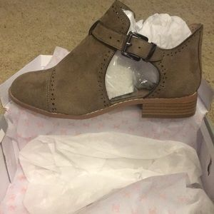 Tinsly cut out suede booties